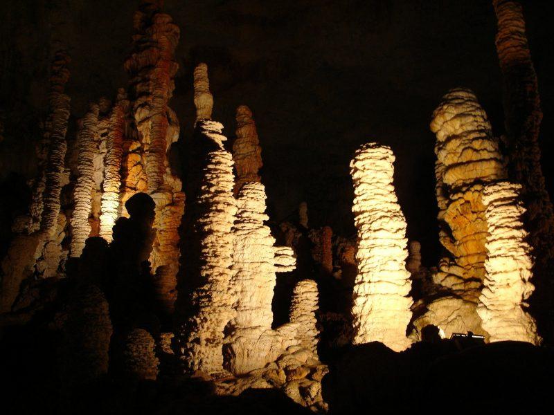 stalactite-4183_1920-1.jpg